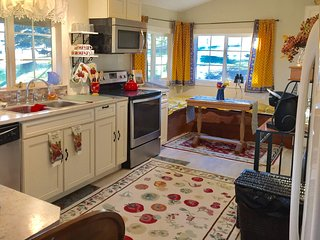 Bridgerview Country Guest Cottage   Gallatin Gateway, Bozeman MT - Gallatin Gateway vacation rentals