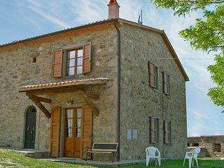 Beautiful Condo with Television and Parking - Castel Del Piano vacation rentals