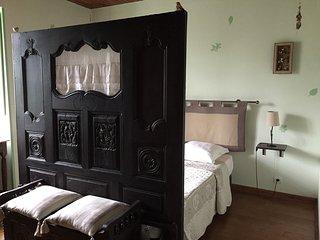 """Au Clos du Lit """"Chambre Argoat"""" - Lamballe vacation rentals"""