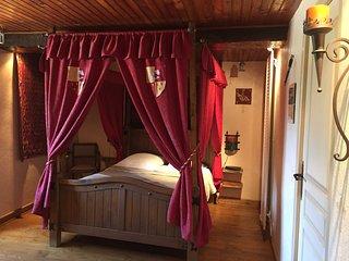 """Au Clos du Lit """"Chambre Duchesse Anne"""" - Lamballe vacation rentals"""