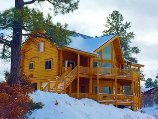 Luxury Cabin w. Private 4 Bedroom Suites & Panoramic Views of National Park - Pagosa Springs vacation rentals