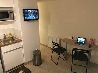 Studio Grand stade Lille (parking, wifi, métro) - Villeneuve d'Ascq vacation rentals