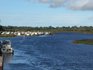 LoughRee Lodge Self Catering Apartment Lanesborough Co.Longford - Lanesborough vacation rentals