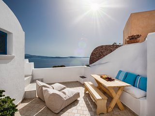 Sundance Villa - Amazing views in a peaceful spot in Oia - Oia vacation rentals