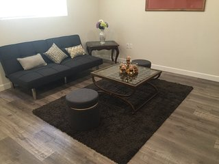 Furnished 2-Bedroom Apartment at Sylvan St & Friar St Los Angeles - Yorktown vacation rentals