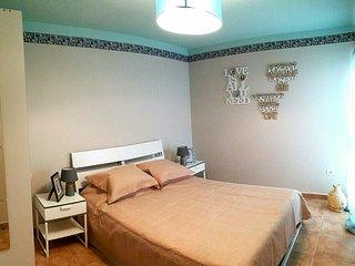 2 bedroom apartment near Playa Las Vistas - Los Cristianos vacation rentals