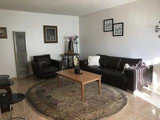 Furnished 1-Bedroom Apartment at W Glenoaks Blvd & Elm Ave Glendale - San Fernando vacation rentals