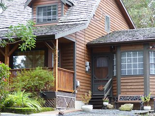 Quiet suite close to Victoria International Airport and BC Ferry Terminal - North Saanich vacation rentals