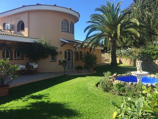 Very Large, 2 floor Deluxe Apartment. Sea, pool, garden view. Roof top terrace! - Cancelada vacation rentals