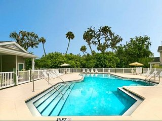 Nice Condo with Internet Access and A/C - Oneco vacation rentals