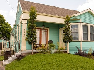 Quiet & Convenient Modern Cottage - 3 bed, 2 bath close to local attractions - New Orleans vacation rentals