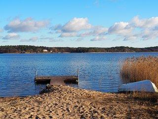 DIANA, stuga med egen bastu, sandstrand och roddbåt - Dragsfjard vacation rentals