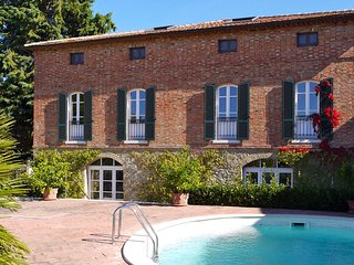 Lovely 5 bedroom Castelmuzio Villa with Internet Access - Castelmuzio vacation rentals