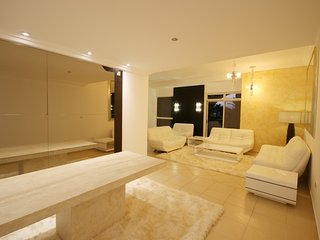 5 Bedroom in JBR, Fancy interiors, 4 balconies - Dubai vacation rentals