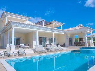 Luxurious 6 bed villa, with heated pool, games room and cinema room in Vila Sol - Quarteira vacation rentals