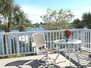 Salt Sea Air Retreat SL4 Bay Views Balcony Wifi - Saint Pete Beach vacation rentals