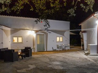 LaMia Bianca, Country House between Ostuni and Ceglie Messapica - Ceglie Messapica vacation rentals