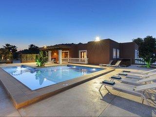 Villa Evie | Modern | 5 Bedooms | Private Pool | Wifi & Aircon - Sant Antoni de Portmany vacation rentals