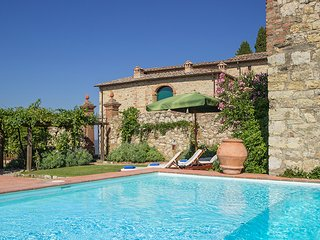 4 bedroom Castle with Internet Access in Gaiole in Chianti - Gaiole in Chianti vacation rentals
