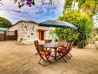 Nice Villa with Internet Access and Washing Machine - Los Realejos vacation rentals