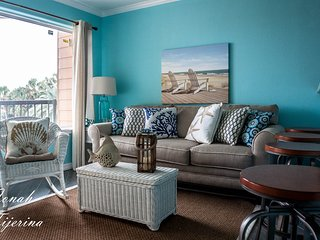 Updated, Cottage-Inspired Condo located directly on the Seawall - Galveston vacation rentals