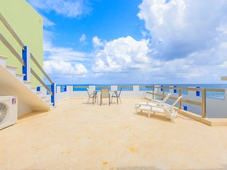 Castellito Del Caribe! Stunning 3 bedroom house overlooking the Caribbean! - Isla Mujeres vacation rentals