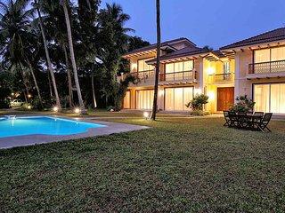 Riviera - 4 Bed Luxury Private PoolVilla, Candolim - Candolim vacation rentals