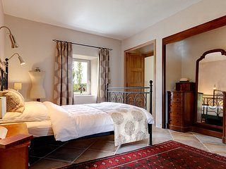 "Luxury B&B and Table d'Hôte in a 200 years old Farmhouse: The ""Garden Suite"" - Rochessauve vacation rentals"