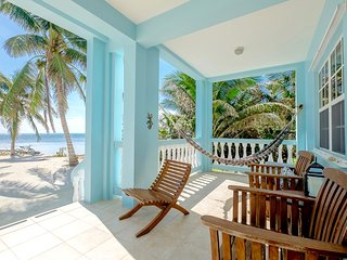 B1 Beachside with porch, kayaks, bikes & more! - San Pedro vacation rentals