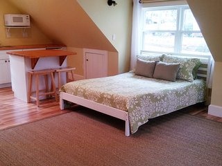 FROG-Finished Room Over Garage - Vineyard Haven vacation rentals