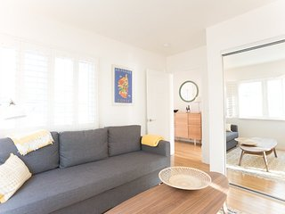 Furnished 1-Bedroom Home at N El Centro Ave & Barton Ave Los Angeles - Hollywood vacation rentals
