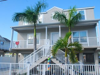 Key Largo Luxury Vacation Home w/ Dock and Ocean Access !! - Ocean Reef vacation rentals