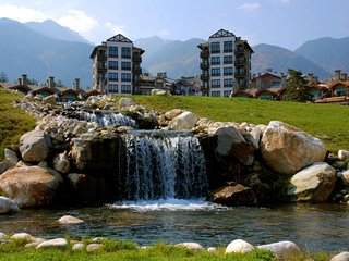 Fully Equipped 1-bedroom Apartment in Pirin Golf & Country Club - Razlog vacation rentals
