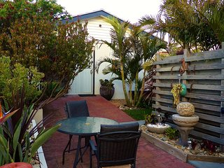 Beautiful 1 bedroom Ulladulla Condo with Outdoor Dining Area - Ulladulla vacation rentals