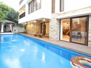 Panache - 4 Bed Private Pool Villa near ClubCabana - Anjuna vacation rentals