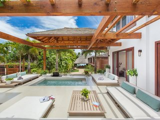 Beautiful House with Internet Access and A/C - Honolulu vacation rentals