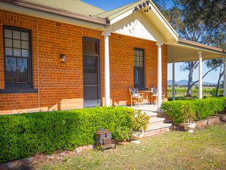 Tinonee Vineyard Homestead - Broke vacation rentals