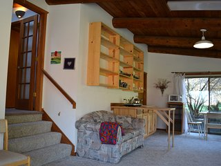 Rocky's Retreat: peace and view - Startup vacation rentals
