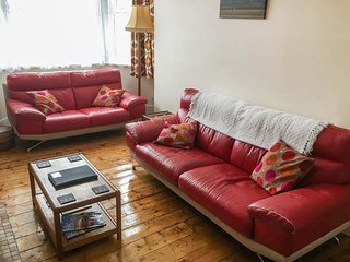 TIVOLI APARTMENT, Now TV, WiFi, pet-friendly, in Margate, Ref 911997 - Margate vacation rentals