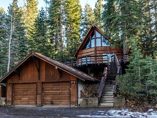 Gorgeous upscale home w/ private hot tub & access to year-round activities - Tahoe Vista vacation rentals