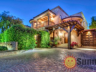 #53 Sunny Tuscan Villa by the Grove - Los Angeles vacation rentals