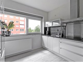 3 bedroom Apartment with Internet Access in Amsterdam - Amsterdam vacation rentals