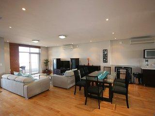 Nice 3 bedroom Condo in Century City - Century City vacation rentals