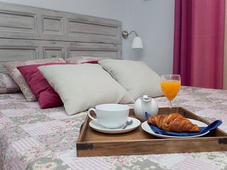 Sol Gran Via 3 beddroo 2 bathroo in center heart - Madrid vacation rentals