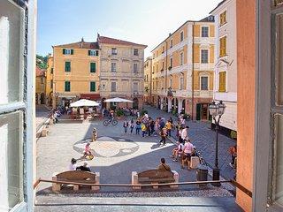 Palazzo Aicardi- trilocale nel cuore del Borgo - Finalborgo vacation rentals