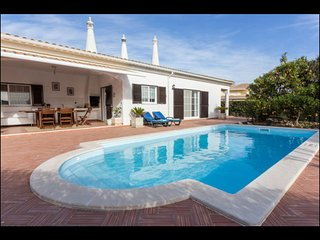 Villa in Algarve with 5 bedrooms and private pool - Porches vacation rentals
