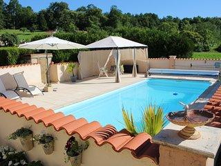 Les Hirondelles Rural Gite & Private Pool, ideal couples' retreat - Chalais (Charente) vacation rentals
