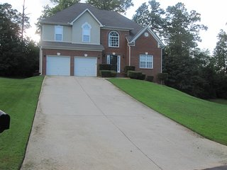 Lovely House with Deck and Internet Access - Ellenwood vacation rentals