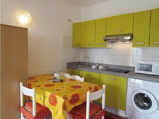 Modern apartment - Air-co + Parking + Beach Place & Amenities - Bibione vacation rentals