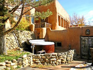 Adobe Hacienda Studio Historic (1790) 5 miles south of Taos Plaza. - Ranchos De Taos vacation rentals